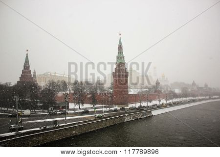 Moscow Kremlin and lot of ice on the Moskva River in the winter