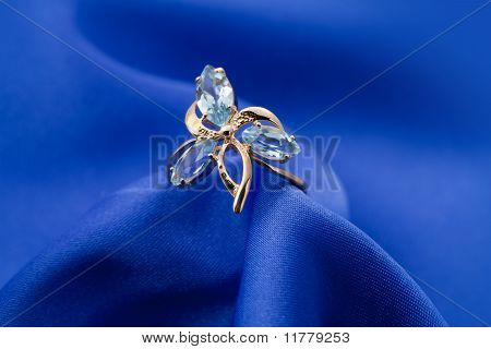Elegant Jewelry Ring With Jewel Stone