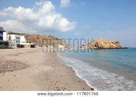 Beach at the Omani fishing village Qantab. Sultanate of Oman Middle East