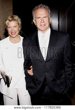 Annette Bening and Warren Beatty at the 2009 Noche De Ninos Gala held at the Beverly Hilton Hotel in Beverly Hills, USA on May 9, 2009.