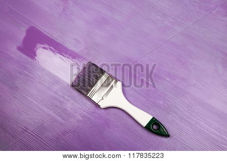 Painting white wooden surface