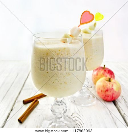 Jelly airy apple in wineglass on table