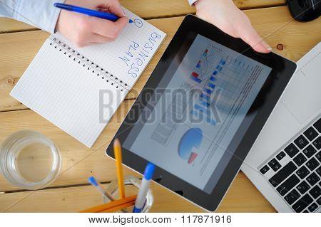 Business Woman  Brainstorming Data Target Financial Concept.