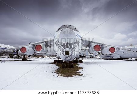 Il - 76Md - Military Transport Aircraft.