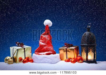 Nice Christmas Decoration With Snowfall