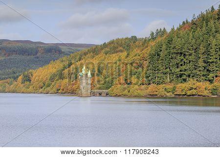lake vyrnwy in wales autumn landscape. wales uk.