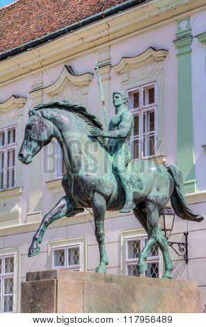 Hussar Monument In Szekesfehervar
