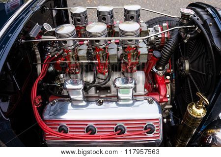 Engine in a Collectors Car