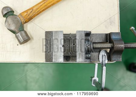 Aluminum Clamp With Hammer