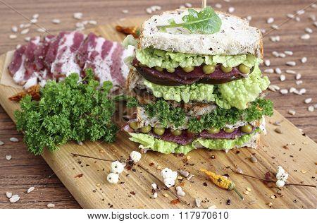 Energy-boosting Sandwich
