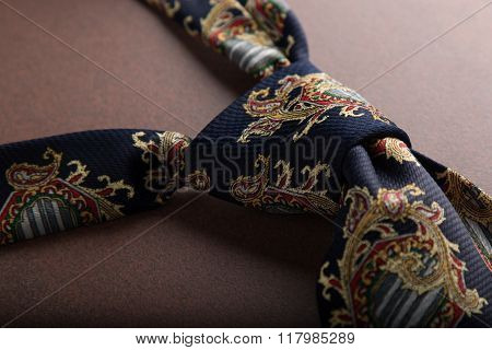 Fashion Tie Knot On Table