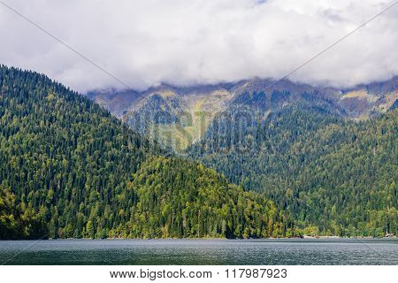 Ritsa lake