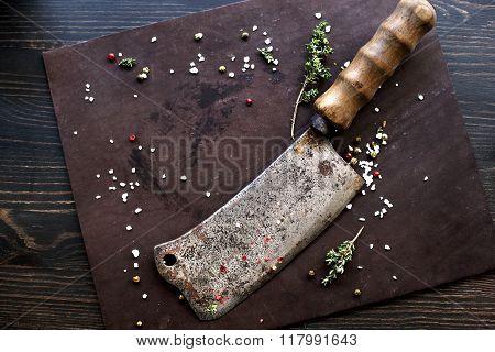 Kitchen knife axe.