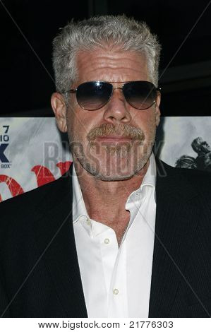 LOS ANGELES - AUG 30: Ron Perlman at the Season Three premiere screening of 'Sons of Anarchy' at the Cinerama Dome in Los Angeles, California on August 30, 2010