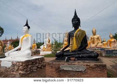 Group of Buddha image