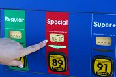 Pointing At High Gas Price in the US