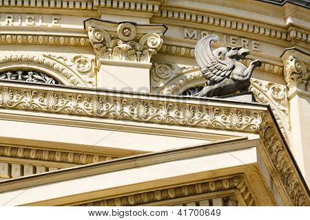 Detalhe arquitetônico com Griffin