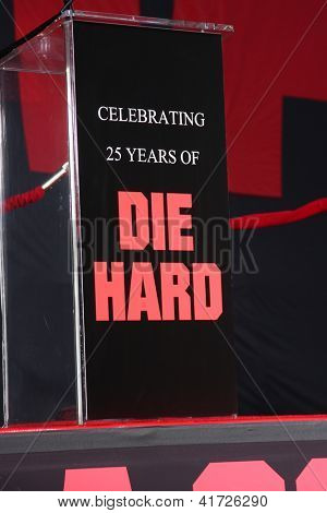 LOS ANGELES - JAN 31:  Atmosphere at the 'A Good Day to Die Hard