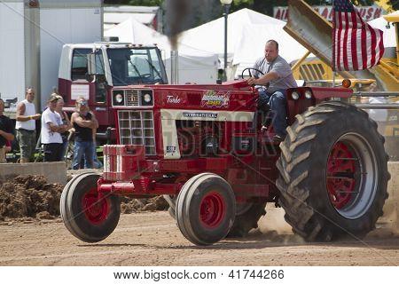 International Turbo Bushville Lanes Tractor