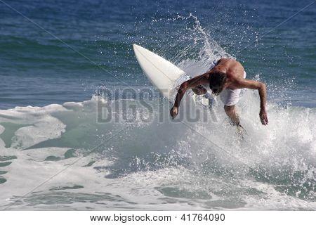 Foto de maniobra de Surf
