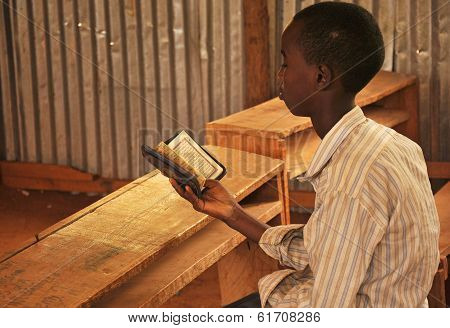 Little Kid Read Holy Qoran