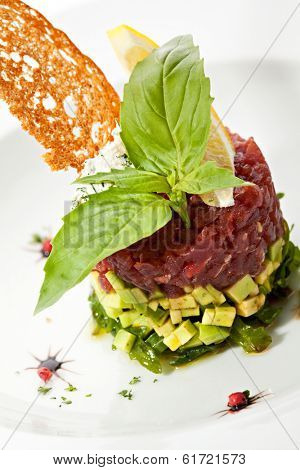 Tuna with Avocado Tartare with Lemon Slice