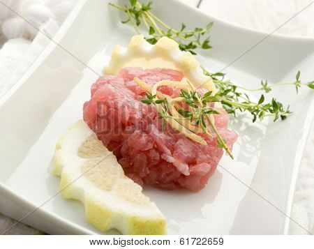 tuna tartar with lemon and thymus