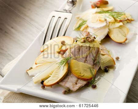 tuna grilled with slice raw ovum mushroom salad
