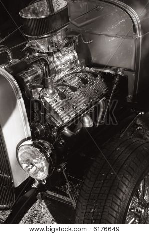 A flathead Ford hot rod engine