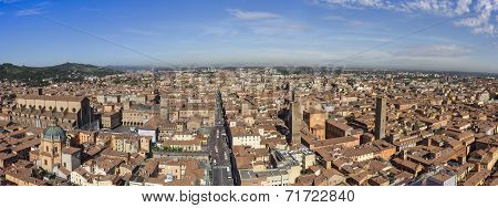 Panoramic view of central Bologna