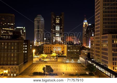 City of Columbus Ohio with the Statehouse in the foreground.