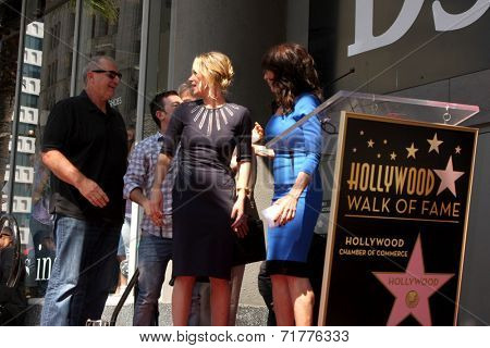 LOS ANGELES - SEP 9:  Ed O'Neill, David Faustino, Christina Applegate, Katey Sagal at the Katey Sagal Hollywood Walk of Fame Star Ceremony at Hollywood Blvd. on September 9, 2014 in Los Angeles, CA