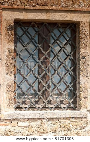 Window Architecture of Bagnoregio