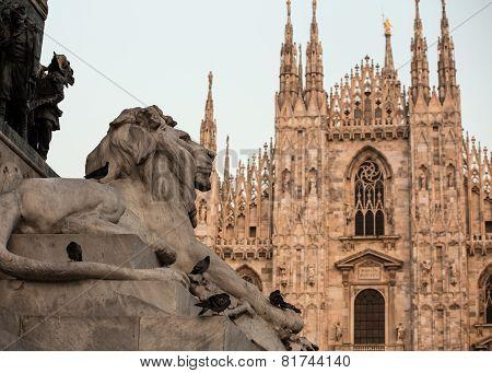 lion statue milan