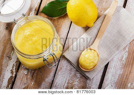 Kurd lemon yellow sweet sauce in jar