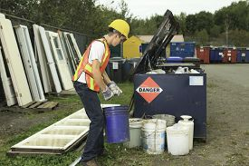 picture of bio-hazard  - A worker who recycling thing on recycle center - JPG