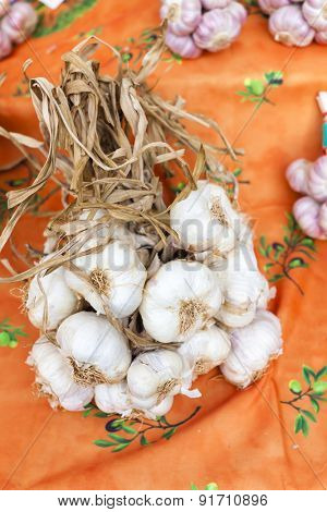 garlic, market in Forcalquier, Provence, France