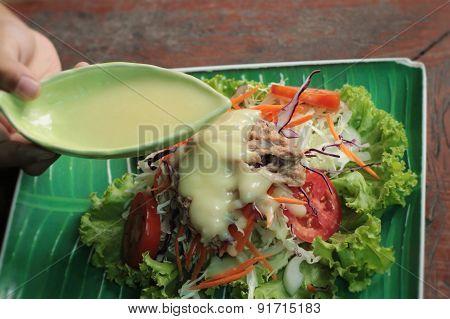 Vegetable Salad Mixed Put Tuna