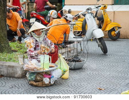 Ho Chi Minh City, Vietnam - 12 October 2014: Female Vendor Aisle Are Preparing To Sell.