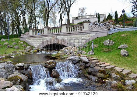 Falls in park