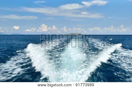 Boat wake waves