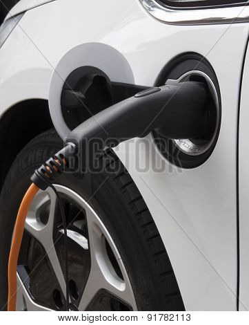 Electic Car Charging Battary
