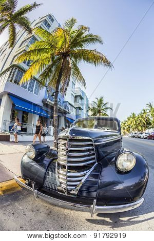 Classic Oldsmobile Parks At Ocean Drive