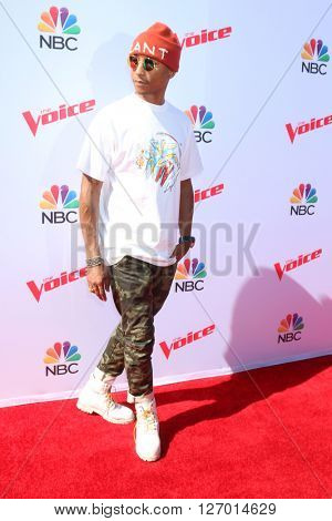 LAS VEGAS - APR 21:  Pharrell Williams at the The Voice Red Carpet Event at the Hyde on April 21, 2016 in Los Angeles, CA