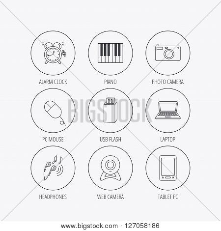 Photo camera, USB flash and notebook laptop icons. PC mouse, alarm clock and web camera linear signs. Tablet PC and music headphones icons. Linear colored in circle edge icons.
