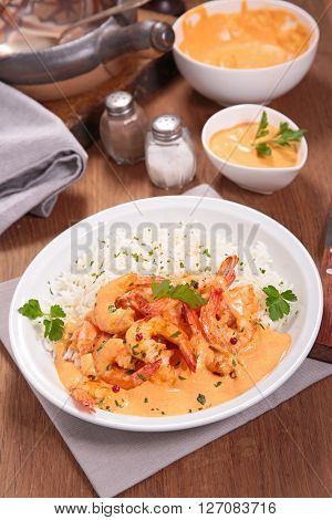 shrimp cooked with curry and coco milk