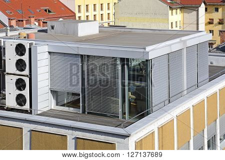 Office Cube Space at Building Roof Top