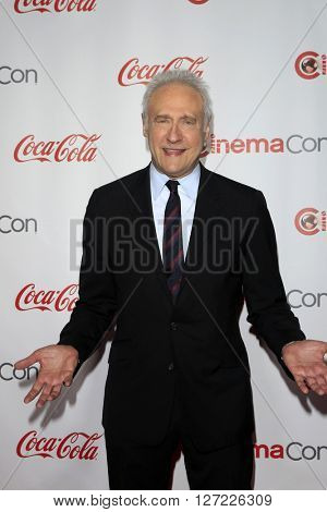 LAS VEGAS - APR 14:  Brent Spiner at the CinemaCon Awards Gala at the Caesars Palace on April 14, 2016 in Las Vegas, CA