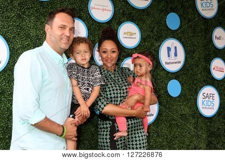 LOS ANGELES - APR 24:  Adam Housley, Aden John Tanner Housley, Tamera Mowry, Ariah Talea Housley at the Safe Kids Day at the Smashbox Studios on April 24, 2016 in Culver City, CA