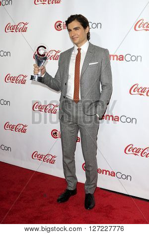 LAS VEGAS - APR 14:  Dave Franco at the CinemaCon Awards Gala at the Caesars Palace on April 14, 2016 in Las Vegas, CA